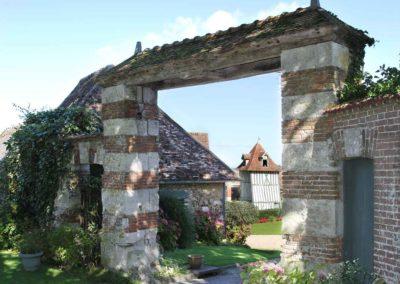 entrée du domaine la Grange de Bourgoult